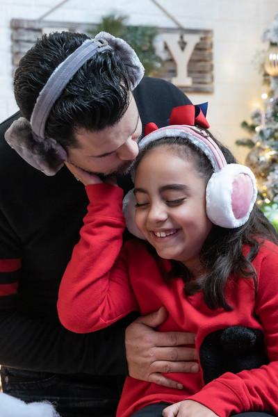 12.18.19 - Vick's Christmas Photo Session 2019 - -28.jpg
