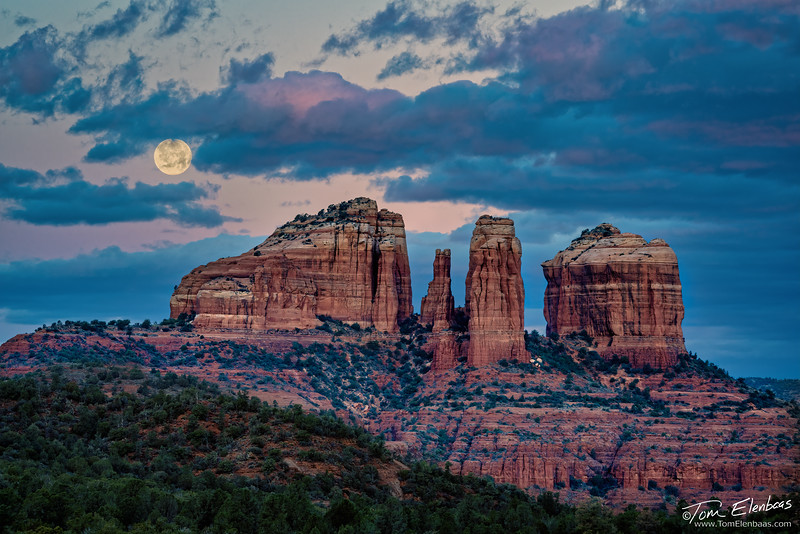 Moonset Over Cathedral Rock