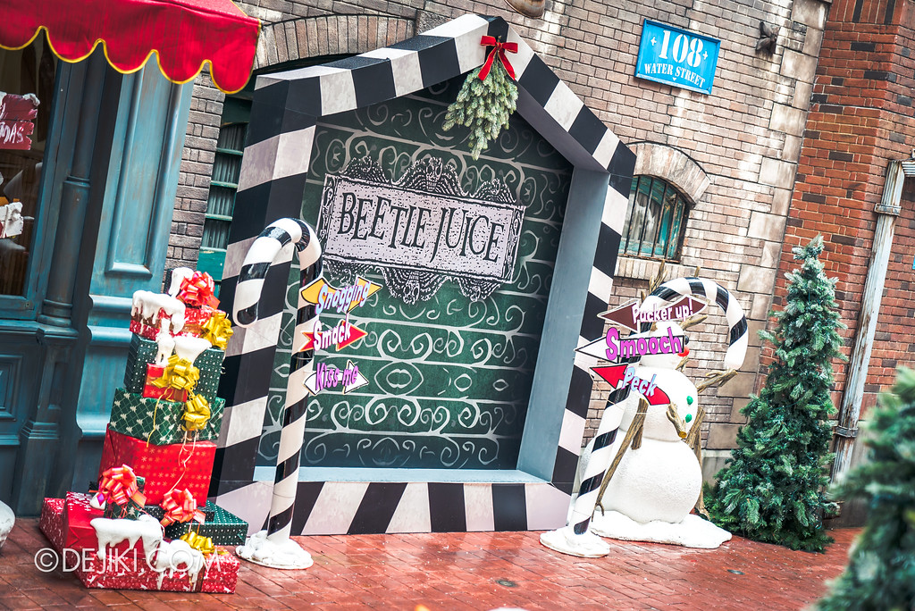 Universal Studios Singapore Park Update November 2017 - Sting Alley meet and greet zone Beetlejuice