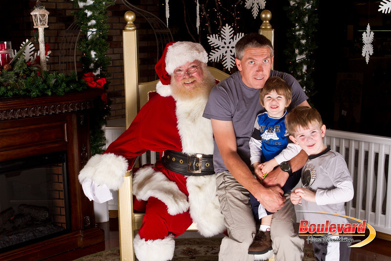 Santa Dec 15-34.jpg