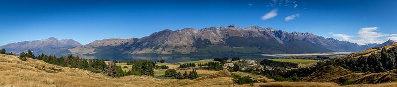 Beim Aufstieg zur «Glenorchy Scheelite Battery» - Kulisse um den «Lake Wakatipu»