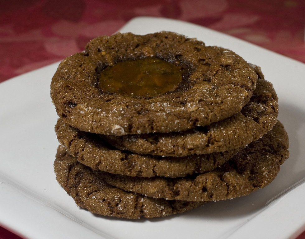 ". Serving these rich molasses oatmeal jammies are a great way to kick off the holiday season. <a href=""http://www.seattletimes.com/life/food-drink/recipe-molasses-oatmeal-jammies/\"">Get the recipe for molasses oatmeal jammies</a>. (AP Photo/Larry Crowe)"