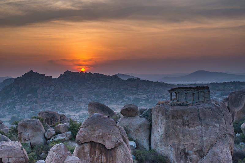Sunrise-Mathanga-hill-Hampi-1.jpg