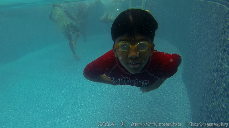 2014-08-23_Underwater@MunnyKakHomeWantaghNY_01.jpg