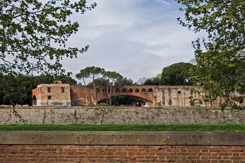 Old Fort in Pisa.jpg