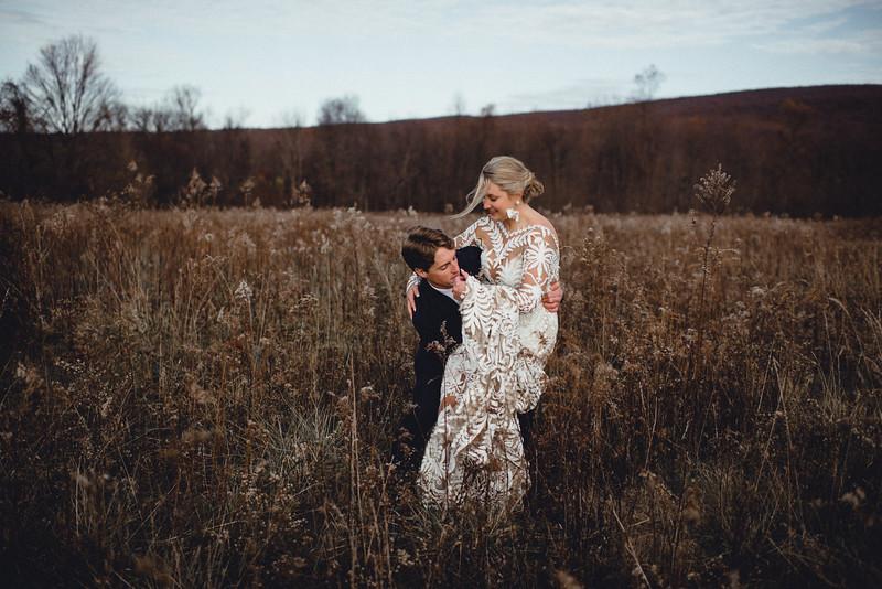 Requiem Images - Luxury Boho Winter Mountain Intimate Wedding - Seven Springs - Laurel Highlands - Blake Holly -900.jpg