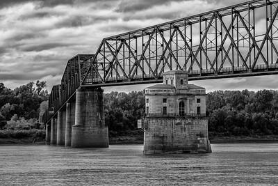 Chain of Rocks Bridge Ghost