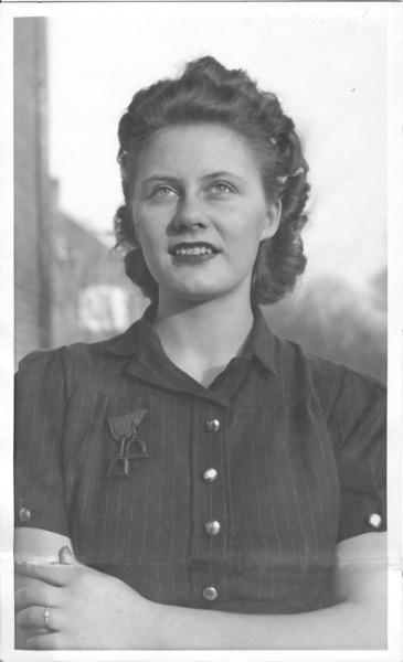 1941 Virginia Turner & Ring edit.jpg