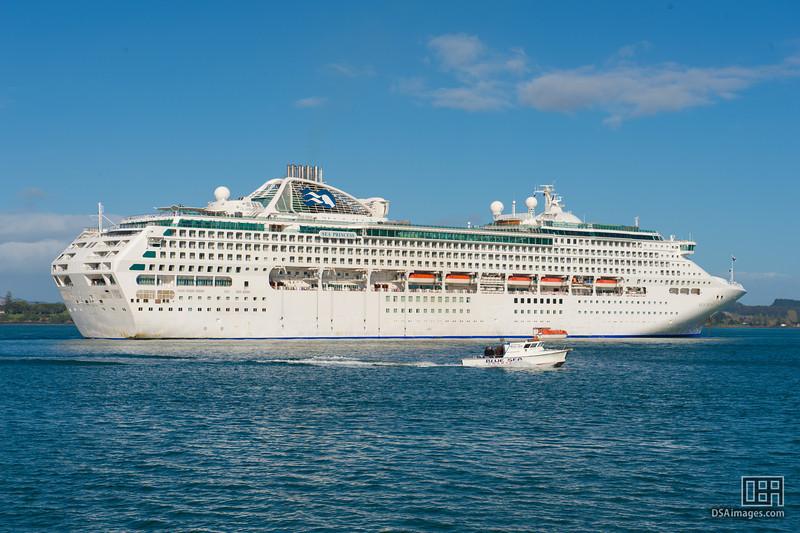 Sea Princess at the Bay of Islands