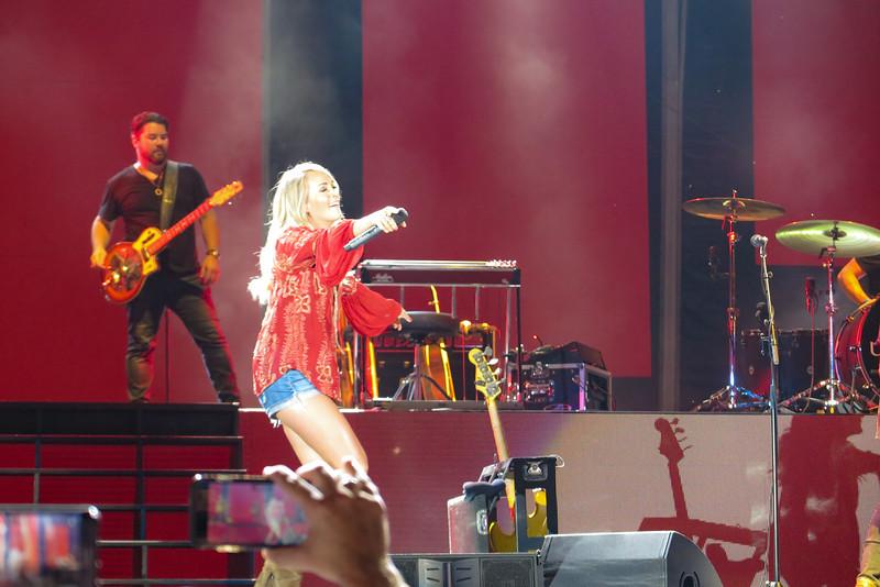 Carrie Underwood-88274.jpg