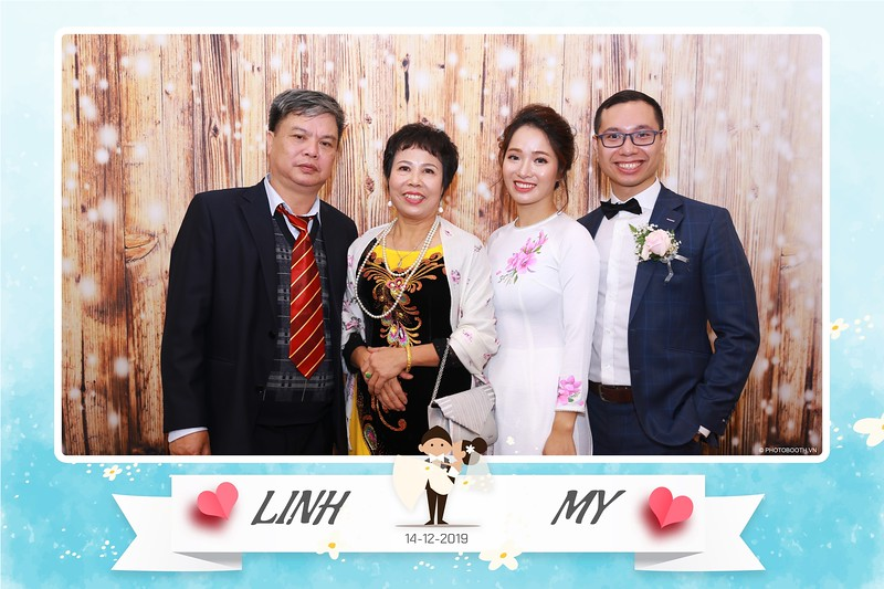 Linh-My-wedding-instant-print-photo-booth-in-Ha-Noi-Chup-anh-in-hnh-lay-ngay-Tiec-cuoi-tai-Ha-noi-WefieBox-photobooth-hanoi-160.jpg