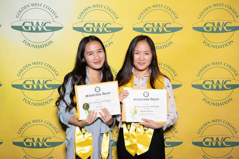 Scholarships-Awards-2019-0723.jpg