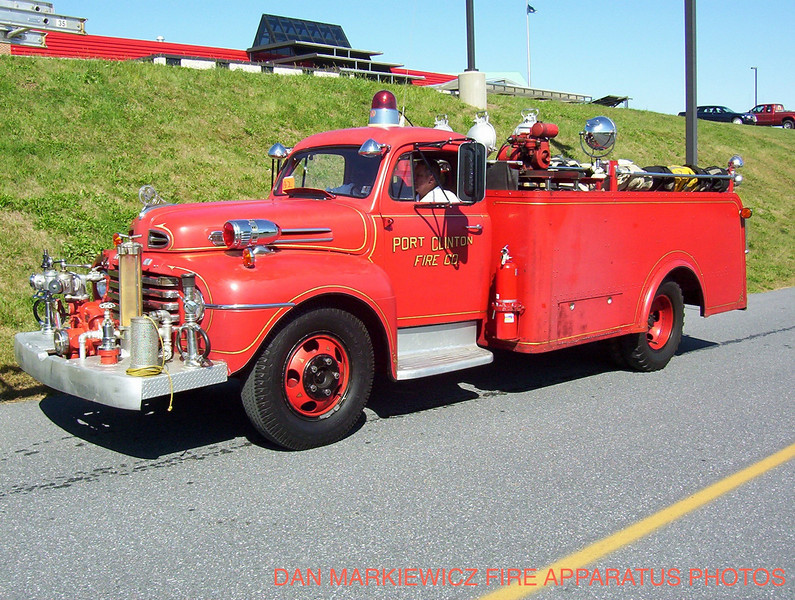 VOLUNTEER FIRE CO ANTIQUE 1949 FORD/HAHN PUMPER