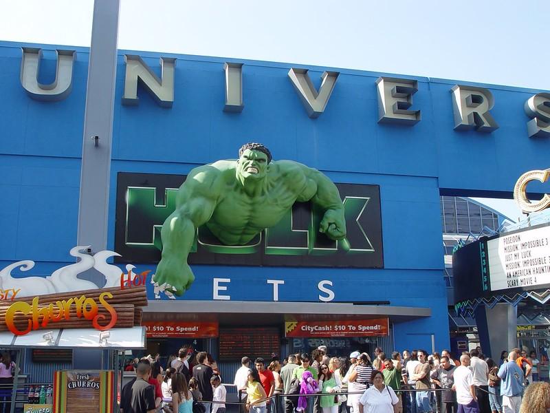 Hulk in Universal park