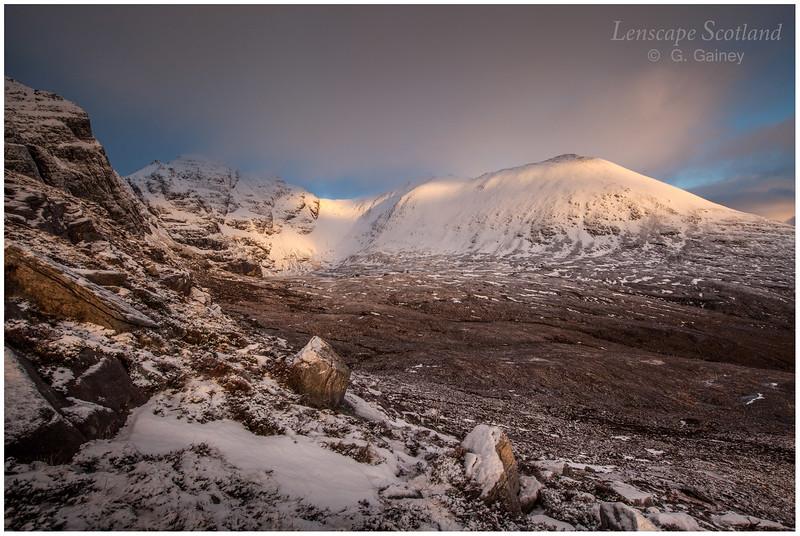 winter dawn on An Teallach