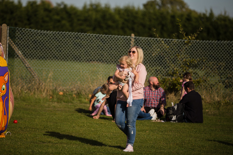 bensavellphotography_lloyds_clinical_homecare_family_fun_day_event_photography (308 of 405).jpg