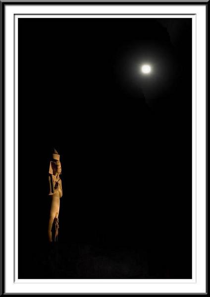 luxor-night-moon (55687634).jpg