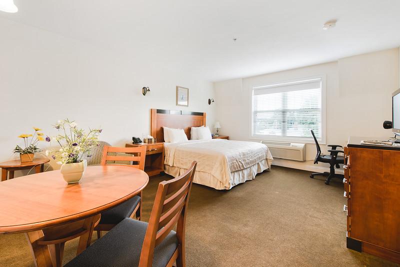 Crescent Suites Hotel   MLS Size