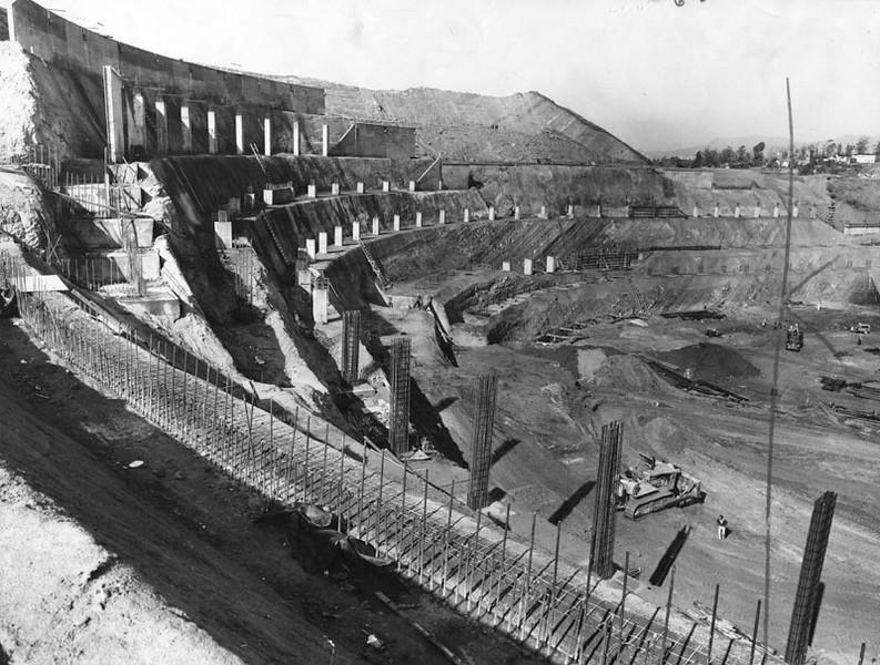 1961, Dodger Stadium Construction