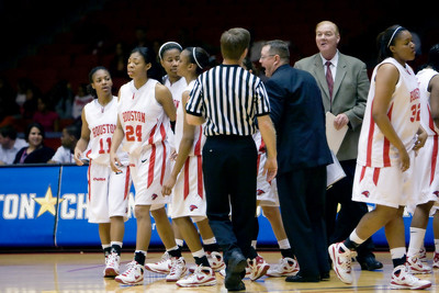 2008-2009 U of H Womens Basketball Archives