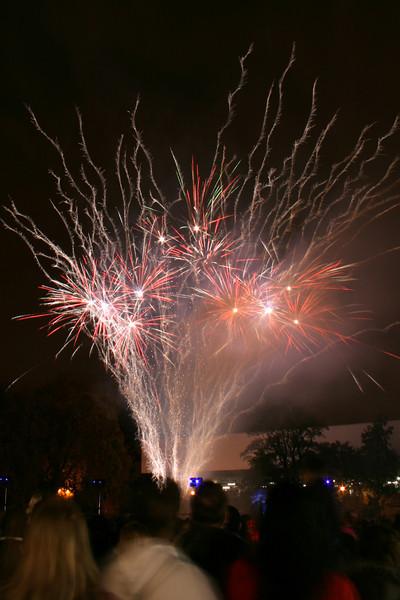 2007_1102putneyfireworks167_edited-2.JPG
