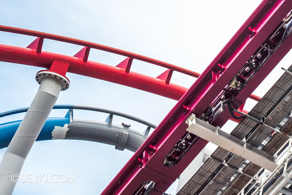 Universal Studios Singapore - Park Update September 2016 / The many colours of Battlestar Galactica rollercoaster tracks