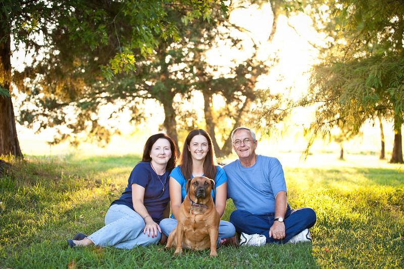 web-Beaver-Family-Portrait-Fulton-MO-Photographer-Outdoor-Horse.jpg