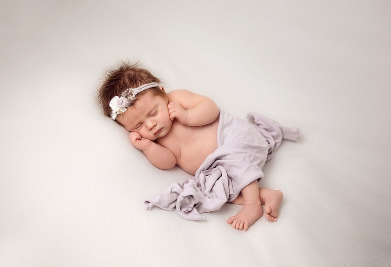 Relaxed_Newborn_Photography_Dublin.jpg