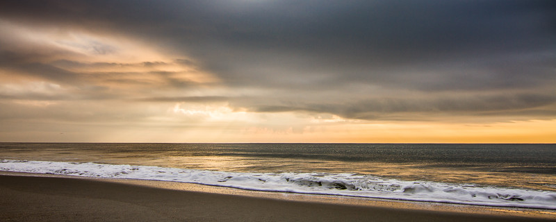 Beach [crop: 8x20]