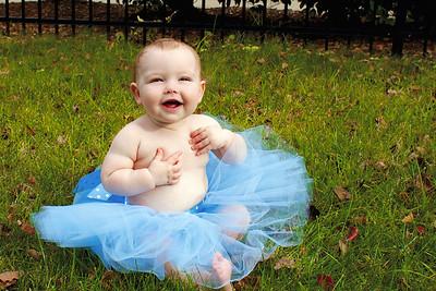 2014-11 Caroline in blue tutu