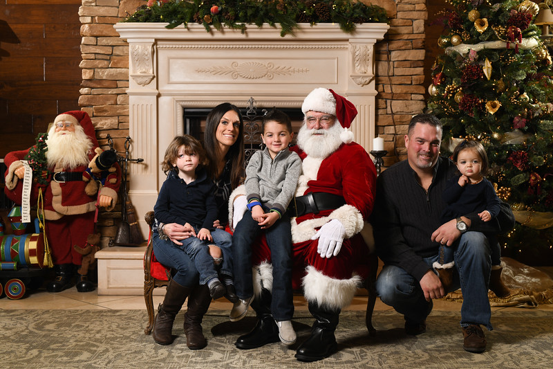 Santa2018.TylerBoye.-252.jpg