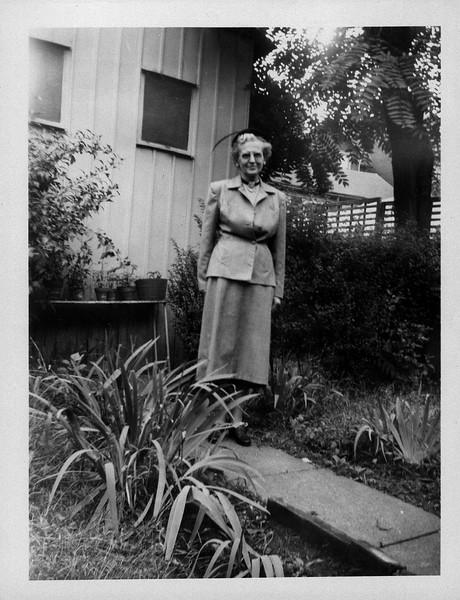 Grandma W Photo Box