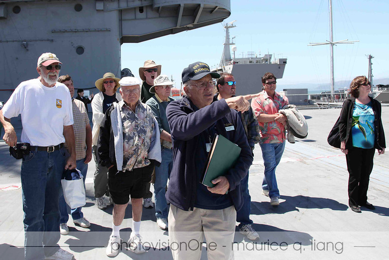 Tom gives us a tour of the flight deck.