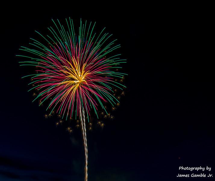 Fourth-of-July-Fireworks-2016-0306.jpg