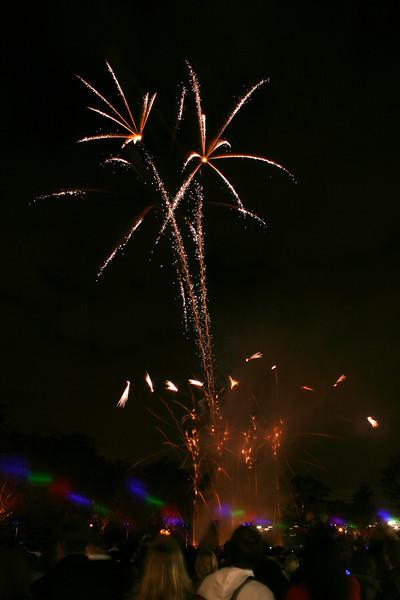 2007_1102putneyfireworks145_edited-1.JPG