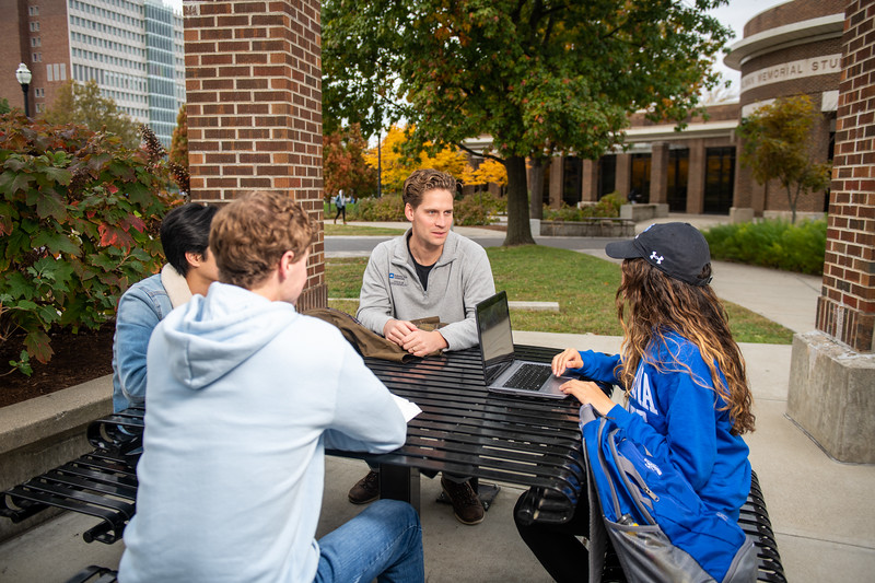 10_25_19_campus_fall (35 of 527).jpg