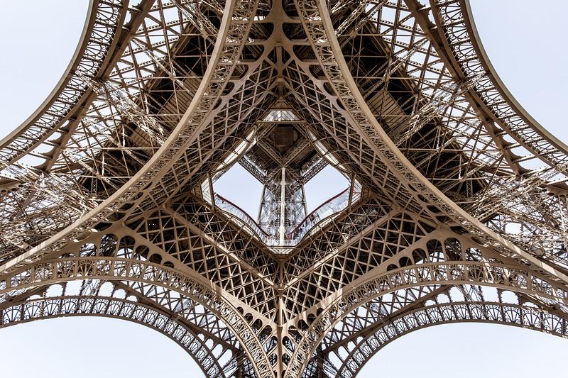 The Geometry of Le Eiffel
