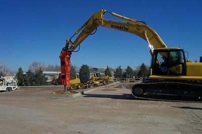 NPK E213 hydraulic hammer on Komatsu excavator (4).jpg