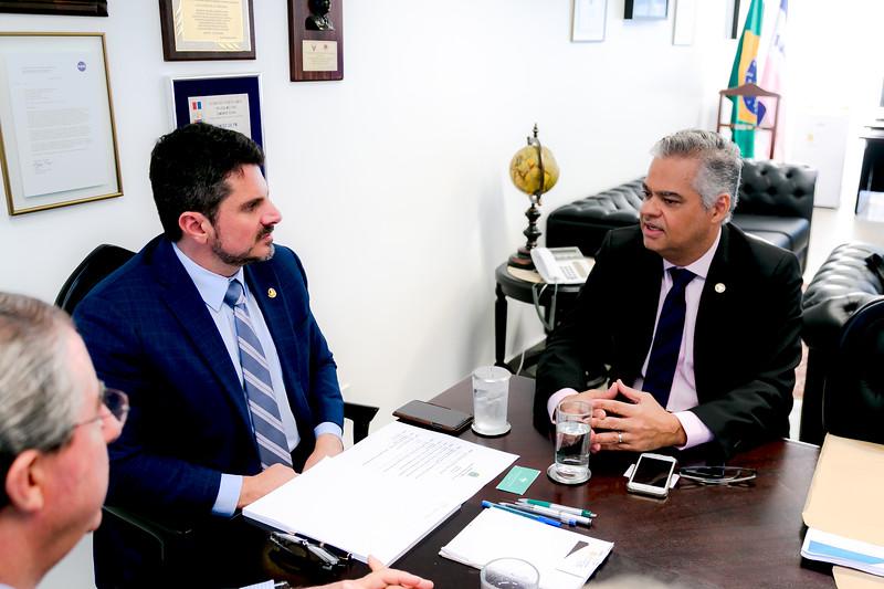 090519 - Dr Sérgio Palma - Diretor da Sociedade Brasileira de Dermatologia- Senador Marcos do Val_3.jpg