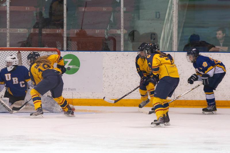 20130310 QWHockeyvsUBC 622.jpg