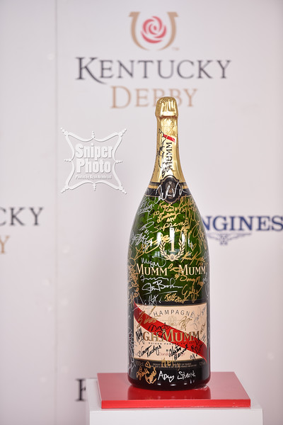 2015 Kentucky Derby Red Carpet - GH Mumm - Louisville Photographer-37.jpg
