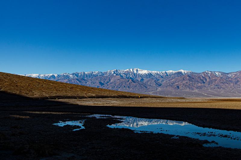 Death-valley-mirror-image-lake4.jpg