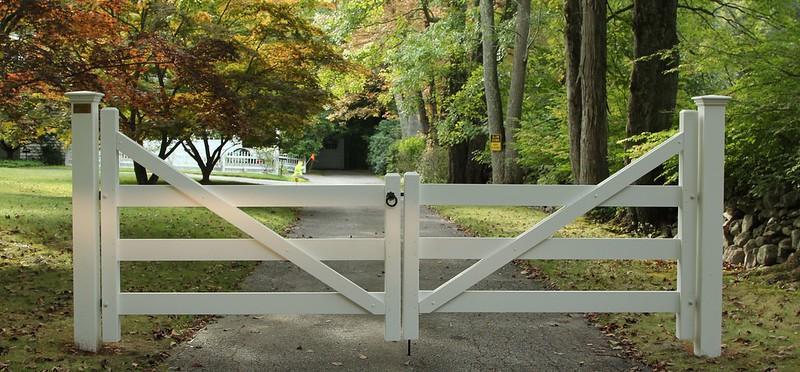 177 - 479116 - Weston CT - Morgan Farm Gate