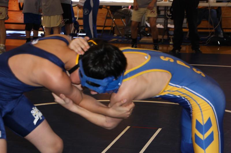 Middle School Wrestling Jan 22, 2011 007.JPG