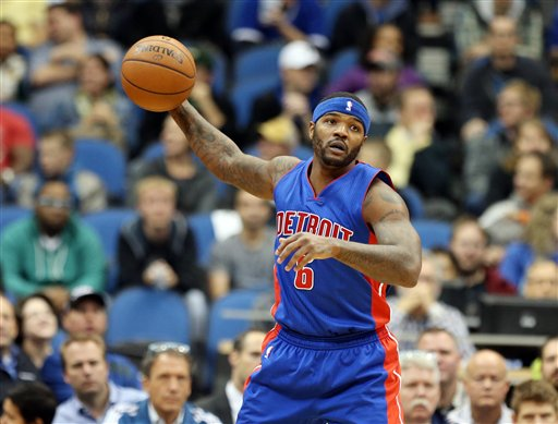 . Detroit Pistons\' Josh Smith pulls in a pass in the first quarter of an NBA basketball game against the Minnesota Timberwolves, Thursday, Oct. 30, 2014, in Minneapolis. (AP Photo/Jim Mone)