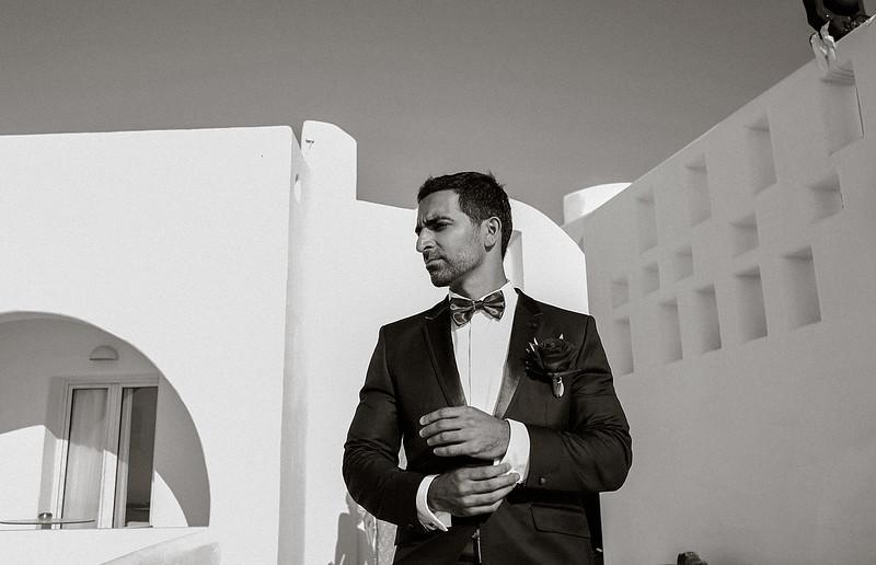 Tu-Nguyen-Destination-Wedding-Photographer-Santorini-Rocabella-Hotel-Euna-Ehsan-372.jpg