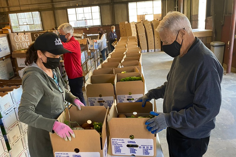 abrahamic-alliance-international-abrahamic-reunion-compassion-farm-box-packing-san-jose-2021-09-13-veggielution-warehouse-22-24-54-eva-lippmann.jpeg