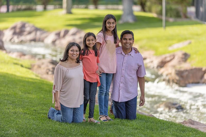 Urvi Family-202.jpg