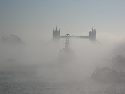 2013 02 19 Mist over the Thames
