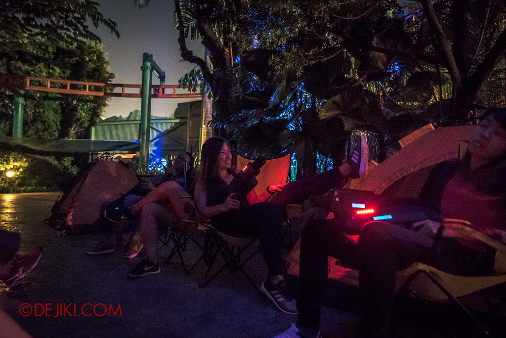 Halloween Horror Nights 7 MasterCard Priceless Experience - Chill out at the Camp